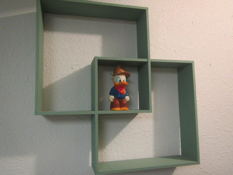 vintage wall mount shadow box shelf painted wood shadow box. Black Bedroom Furniture Sets. Home Design Ideas