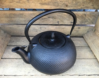 Cast Iron Japanese Oriental Tea Pot Teapot / Kettle Large 1.5L Solid Made Traditional Decorative Style Black by Victor Cookware