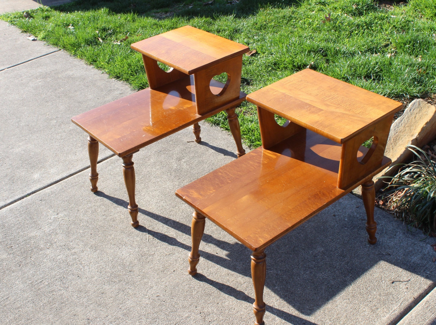 vintage pair mid century two tier end tables by queenieseclectic. Black Bedroom Furniture Sets. Home Design Ideas