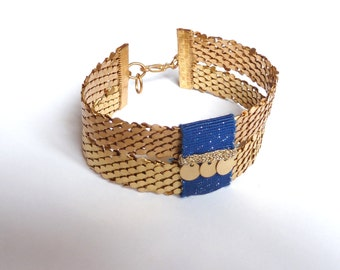 Spangled Blue cuff bracelet, Lurex, pendants and scales in varnished Brass