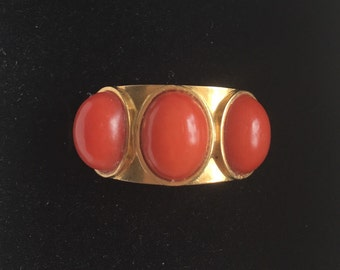 Vintage Italian Gold and Coral Band Ring