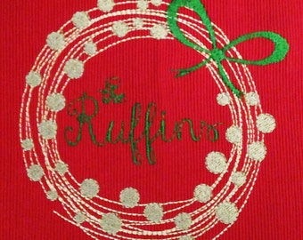 Modern Christmas Wreath Machine Embroidery Design – perfect for adding a name or initial