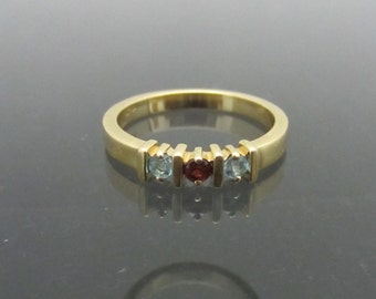 Vintage 14K Solid Yellow Gold Natural Aquamarine & Garnet Band Ring Size 6.5