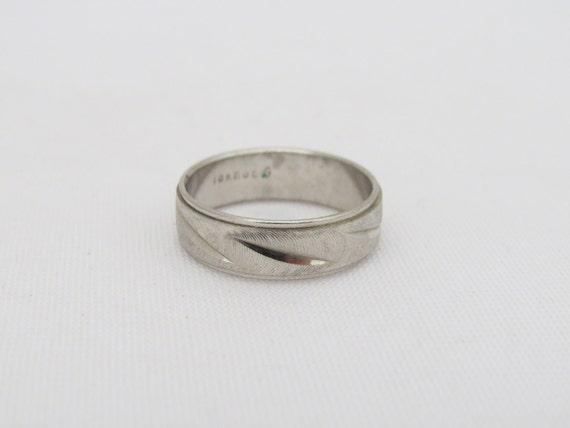 K Hge Diamond Ring