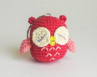 Amigurumi owl key chain fuchsia and pink, crocheted. Height : 6 cm