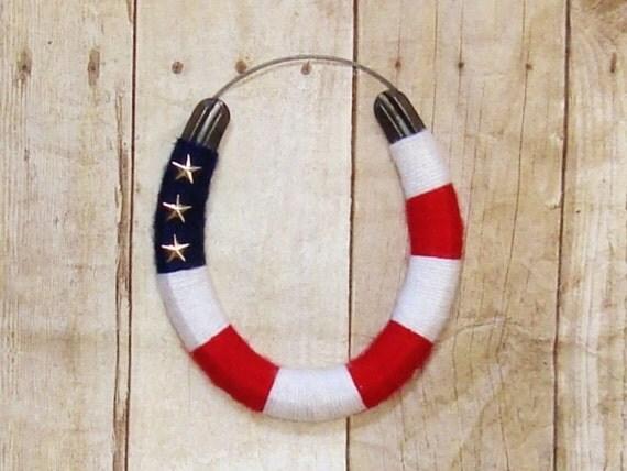 USA horseshoe / wall art / lucky horseshoe / decorative / horse lover gift / America / Red, white and blue /