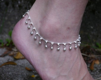 Anklet silver round charms and small flowers 10