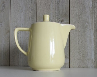 Vintage coffee pot. Yellow. Melitta. Coffee pot. 1960s. Carafe server. Vintage kitchen. Ceramic jug. Coffee jug. Retro coffee pot// D251