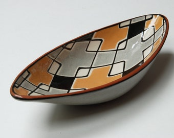 ON SALE - Mid-century Danish HAK Pottery modernist abstract bowl/dish by Nils Kahler.