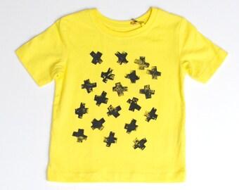 Crosses yellow printed tee