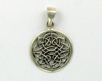 925 Sterling Silver Celtic Symbol of Chaos Pendant - 19