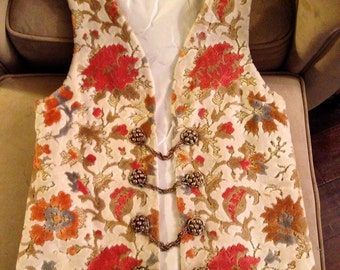 Gorgeous Small Handmade Cut Velvet Vest With Heavy Gold-tone Button and Chain Closures – Cloak Clasps – 1968 – Satin Lining – Holiday Gift