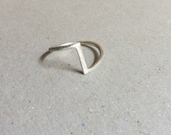 minimalist chevron band ring, sterling silver ring, geometric ring, simple ring