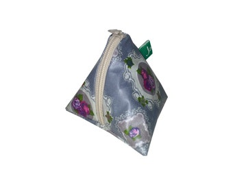 Key pouch, Key case, Tampon case, money pouch, cosmetic pouch, pyramid bag, beltbag, Key chain