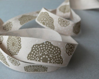 Cotton tape 16 mm - Designblumen beige