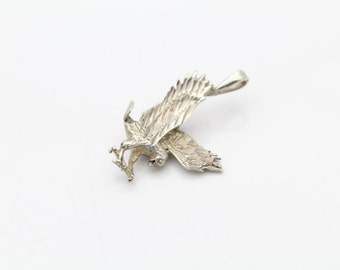Small Vintage Flying Eagle Pendant in Sterling Silver. [10374]