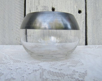 Dorothy Thorpe open sugar bowl, Dorothy Thorpe roly poly flat bottom sugar holder, use as cocktail sugar or salt holder, silver rimmed glass