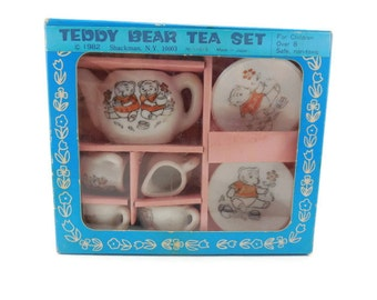 Teddy Bear Tea Set 9 Pieces with Box Children's Pretend Party Play Toy Cups Teapot Sugar Bowl Creamer Blue Pink White Red