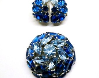 Blue Jewelry Set - Vintage, Juliana Style, Silver Tone, Blue Rhinestones, Brooch and Clip-on Earrings Set