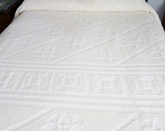 Vintage Chenille Bedspread, Chenille Bedspread, Cream Bedspread, Twin Bedspread, Hobnail Chenille Bedspread, Off White Bedspread, Hobnail