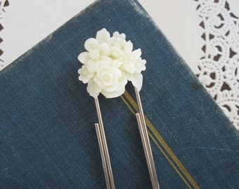 Flower Bouquet Jumbo Paperclip Bookmark In Ivory
