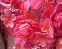 Candle Ring colonial candle company vintage plastic flowers fuschia pink NIP 3-1/4 inch opening for pillar candle kitsch decor centerpiece