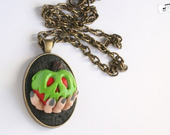 Cameo necklace poisoned apple.