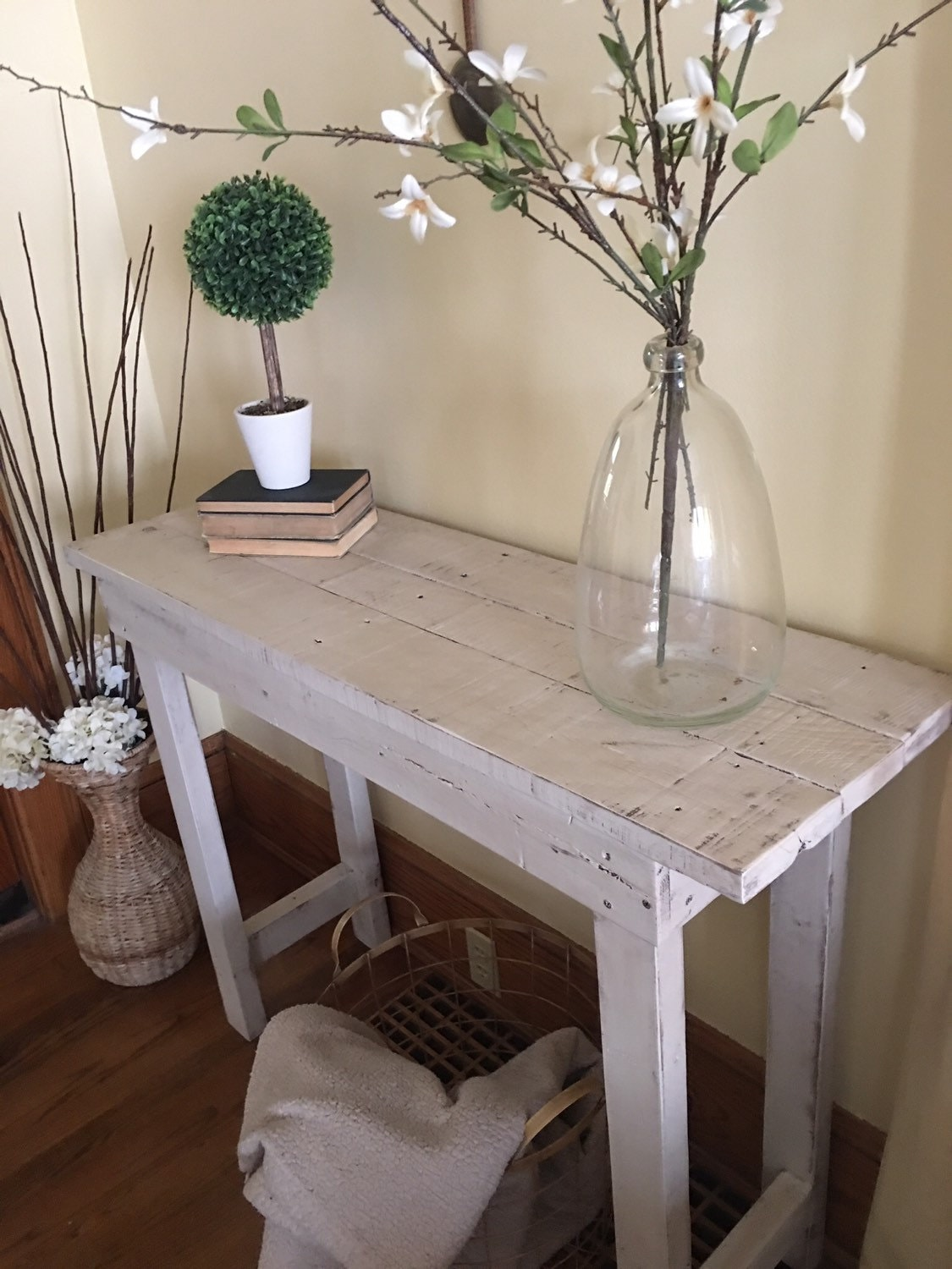 Foyer Table Farmhouse : Entry table wood entryway