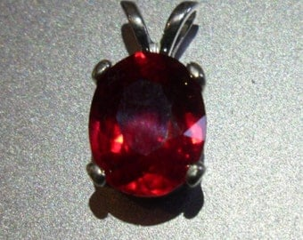 Ruby pendant top fire scintillating 3.3ct blood red