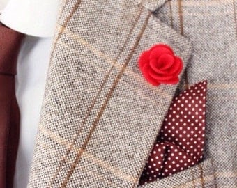 Red flower lapel pin / lapel flower pin / red suit and tie accessories / mens suit collar flower