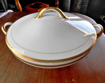 Noritake Nippon The Mikado Covered Casserole White With Gold Verge Border - Free Shipping