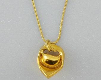 Gold porcelain Tortellino