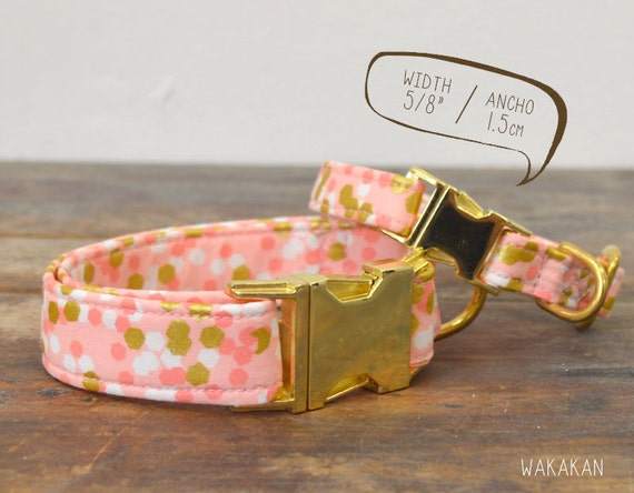 Confetti Dream dog collar. Adjustable and handmade with 100% cotton fabric. pink and metallic dots. Wakakan