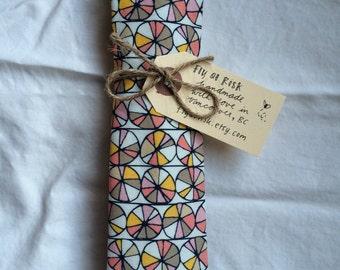 necktie (multicolour pie chart print)