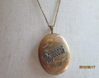 """Vintage Estate 14K Gold Filled """"Someone Special"""" Unique Hearts Locket Pendant (Working), 1 Inch x 3/4 Inch, Wt. 4.7G, 18 IN 925 Italy Chain"""