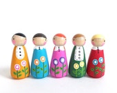 Set of 5 poppy peggies with felt sleeping bag // wooden peg dolls - wooden toys