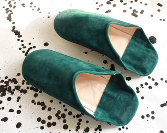 Suede leather soft slippers/Babouche. Green. Handmade by African Artisans. Size 40 or 41, UK 7/8, US 9/10 Women