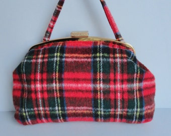 Red 70s Vintage Tartan Toiletbag With Golden Closure