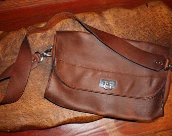 Curvy Leather Messenger Bag