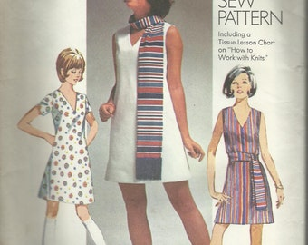 Vintage Sewing Pattern. Simplicity 8613. 1969 Dress pattern. FF Unsused