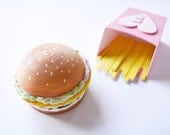 Double Lettuce Burger -  Container - Cute Home Decor - ring box - 3d print - junk food - cute desk accessories