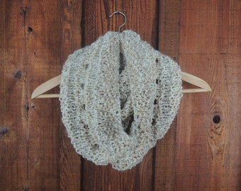 Knitting Pattern - Carrie Cowl