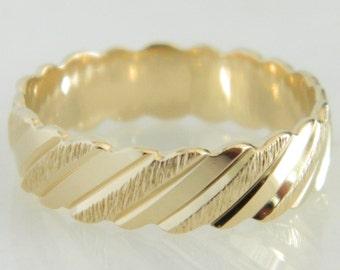Unique 14K Gold Wedding Band size 9.5