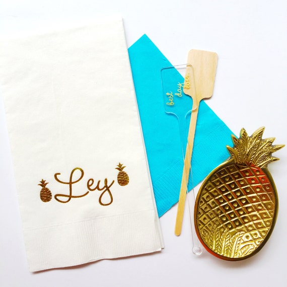 Pineapple guest towels, monogrammed guest towel, reception guest towels, wedding napkins, hostess gift, hand towels, pineapples