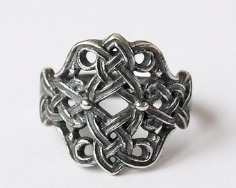 Knot ring, Floral ring, Celtic knot ring, Modern ring, Fashion ring, Size 7 ring, Silver plated jewelry