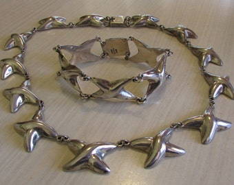 Beautiful Puffed Sterling Silver Necklace and Bracelet Set from Mexico