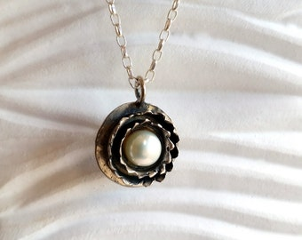 Flower pearl pendant, Pearl necklace, Silver pearl necklace, White pearl necklace, Freshwater pearl, Round silver necklace, Pearl jewelry