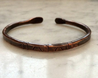 Hammered copper bangle-Bracelet-Cuff