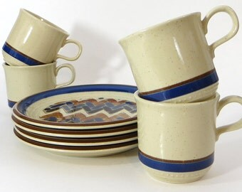 Vintage Arita stoneware plates and mugs - set of four vintage stoneware - Fandango Fuji craftstone plates and coffee cups - geometric plates