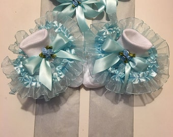 Girls blue ruffle socks and hairbows set